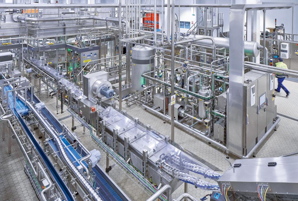 Abfülllinie von KHS bei Coca-Cola European Partners