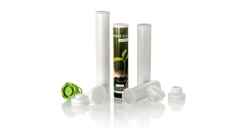Die biobasierte Verpackung für Brausetabletten von Sanner ist nun verschiedenen Varianten erhältlich.