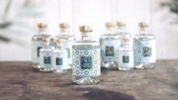 Mesano Gin mit Baumwoll-Etikett von Etiket Schiller