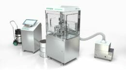 Die neue KapselfüllmaschineGKF 60 von Syntegon bietet Dosierflexibilität auf kleinstem Raum.