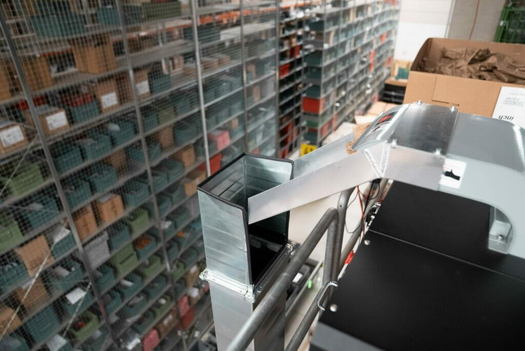 Torwegge Rutsche für Verpackungsmaterial