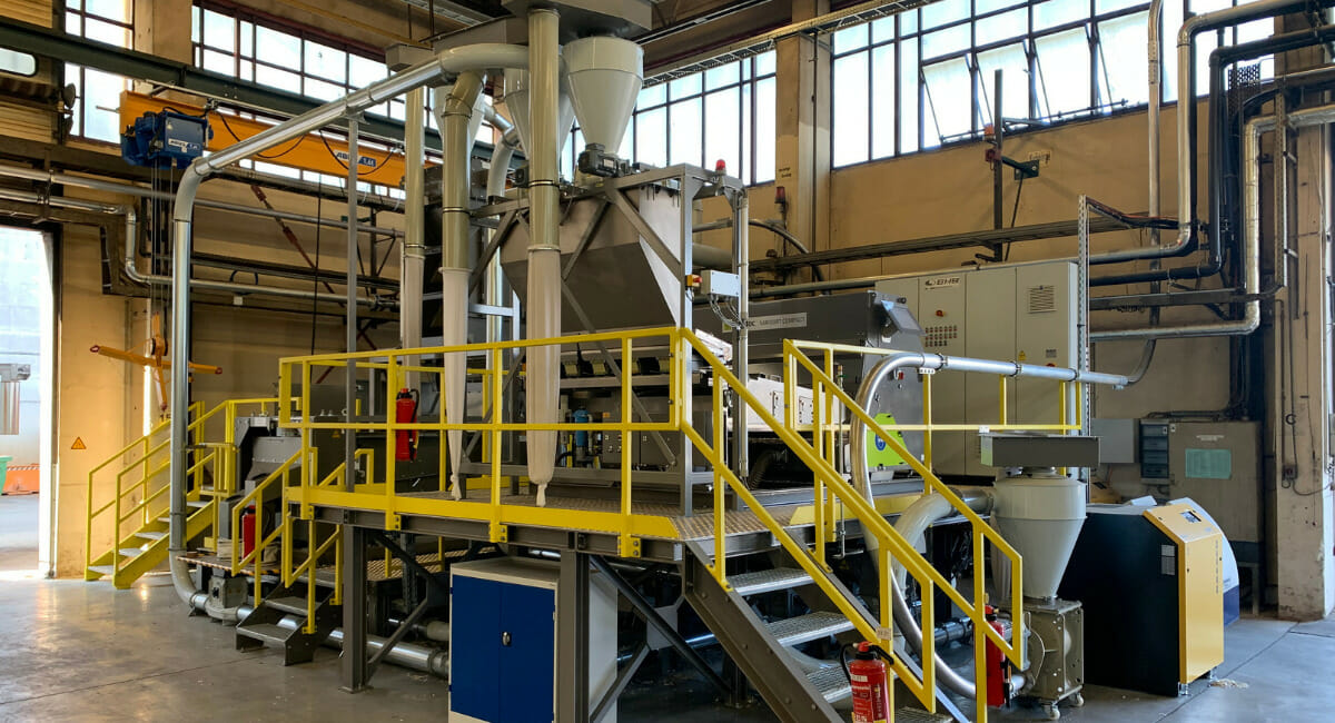 Veolia Tochterunternehmen Multiport trennt rHDPE-Mahlgüter nach Farben